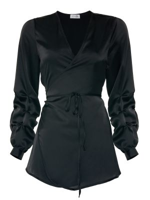 Anvelop Kolu Büzgü Detaylı Siyah Gömlek